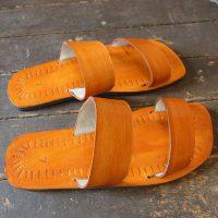 Sandaler i läder